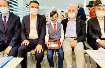 Ali Raşid Akkuş'a Ümraniye Belediyesinden ödül verildi