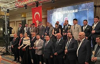 İpekyolu Yılın Altın Adamları Ödülüne COSKF başkanı Mehmet Mutlu Layık  Görüldü