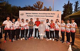 Başkan Döğücü, Sancaktepeli şampiyon sporcular ile bir araya geldi