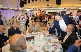 AK Parti Ümraniye İlçe Başkanlığı Yaşlıları Unutmadı
