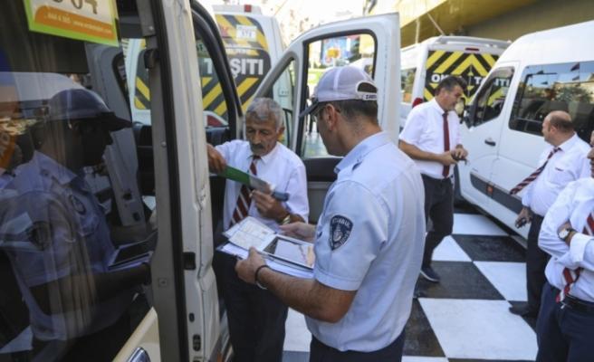 İBB Zabıta Ekipleri okul servislerine göz açtırmıyor