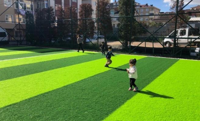 Ümraniye'de Parklar Yenileniyor, Çocuklar Doyasıya Eğleniyor