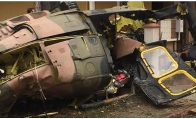 Sancaktepe'de askeri helikopter düştü