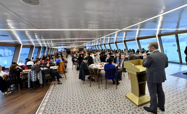 Valide Sultan Gemisi Konuklarını Ağırlamaya Devam Ediyor