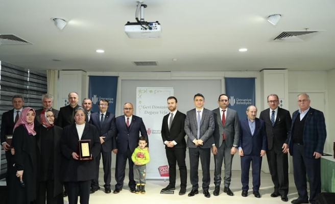 """Ümraniye Belediye Başkanı Hasan Can; """"Geri Dönüşüm Evde' başlar projemizle Ümraniye'mizde 220 Bin Haneye Ulaştık"""""""