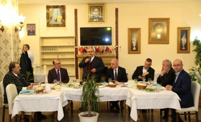 Ümraniye Belediye Başkanı Hasan Can, İlçedeki Okul Müdürleriyle Bir Araya Geldi