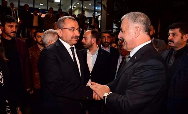 """Eski Ulaştırma Bakanı Ahmet Arslan, """"Ataşehir'e İsmail Erdem yakışır"""""""