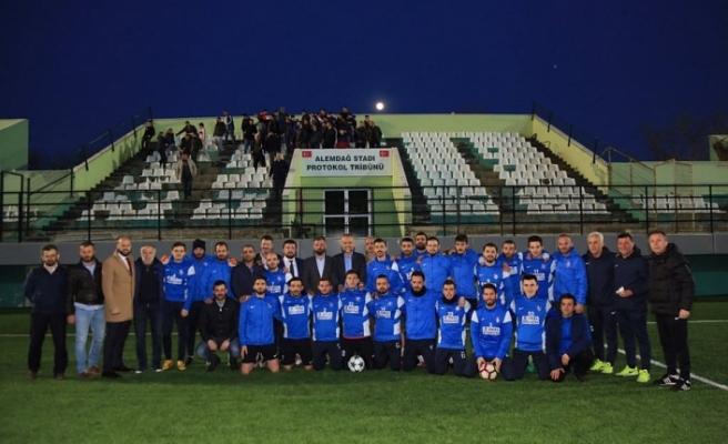 Çekmeköy Belediye Başkanı Ahmet Poyraz'dan Şampiyon Alemdağspor'a Tebrik