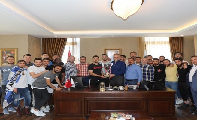 Şampiyon 1877 Alemdağspor'dan Çekmeköy Belediye Başkanı Ahmet Poyraz'a Ziyaret