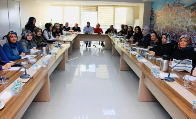 AK Parti Ümraniye İlçe Başkanı Av. Mahmut Eminmollaoğlu'ndan Kadın Kollarına Ziyaret