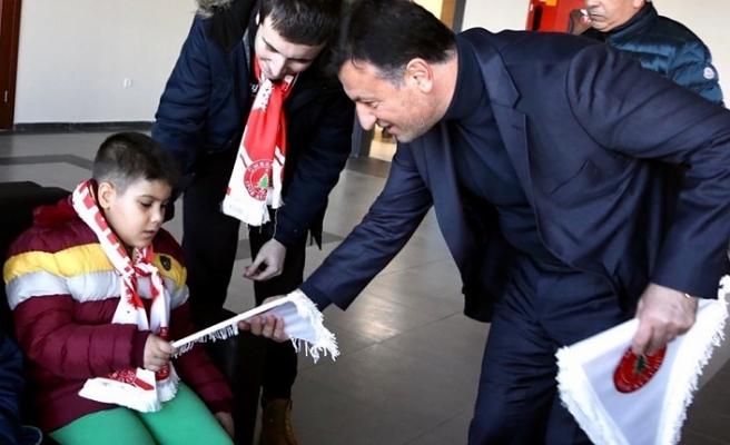 Otizimli Çocuklar'dan Ümraniyespor'a Ziyaret