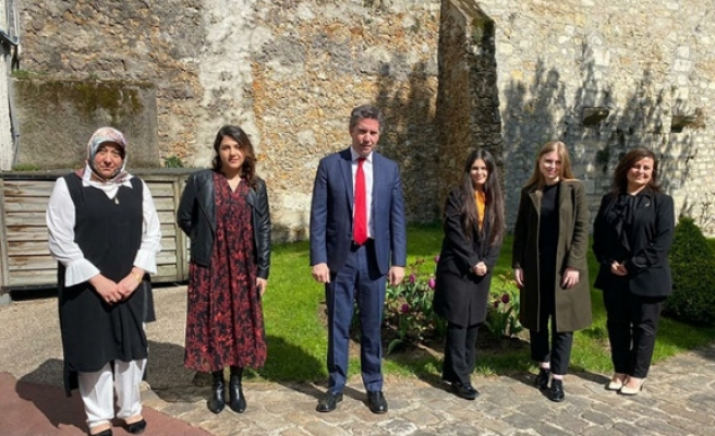 Genç Yozgatlılar Paris Büyükelçisi Ali Onaner'i ziyaret etti
