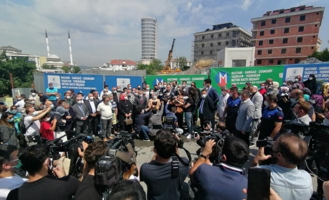 Yenidoğan'da İptal edilen metro önünde basın açıklaması