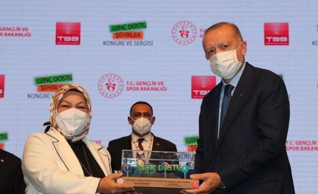 Sancaktepe Belediye Başkanı Döğücü'ye Cumhurbaşkanı'ndan Ödül