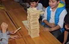 Ümraniye Belediyesi'nin Destekleriyle Bilim Şenliği Düzenlendi