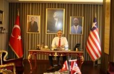 Selahattin Yılmaz Afrika'daki okul projesiyle Liberya'da Türk bayrağını dalgalandıracak