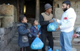 Sadakataşı Derneği'nden Gazze'ye gıda yardımı