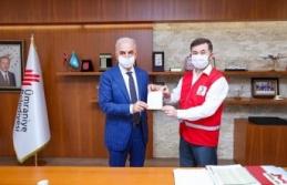 Ümraniye Belediye Başkanı İsmet Yıldırım Kurban Vekaletini Ümraniye Kızılay'a Verdi