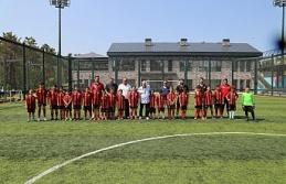 Duayen Sporcu Mustafa Sebzeci İnkılapspor Futbol Kulübünü Ziyaret Etti