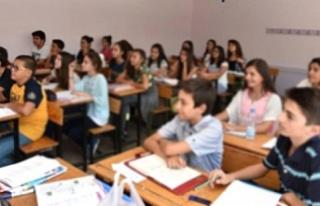 Aile Bakanlığı 18 bin öğrenciye eğitim yardımı...