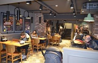Tavuk Dünyası Ümraniye'de ki yeni restoranını...