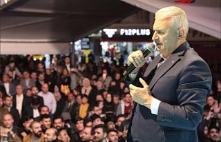 """Binali Yıldırım, """"İstanbullulara Hizmet İçin..."""