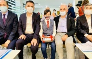 Ali Raşid Akkuş'a Ümraniye Belediyesinden ödül...