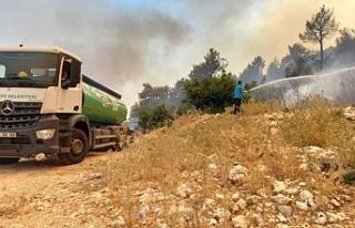 Sancaktepe Belediyesi Tarafından Yangın Bölgesine...