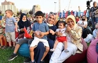 Sancaktepe'de Meydan Parkta Çocuklar İçin...