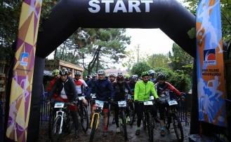 Çekmeköy'de Bisiklet Yarışı ve Halk Koşusu Büyük İlgi Gördü