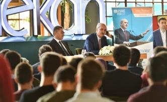 Ak Parti Genel Başkan Vekili Prof. Dr. Numan Kurtulmuş Üsküdar'da gençlerle buluştu
