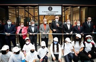 Ümraniye Akyaka Park Avm'de Kütüphane Açılışı Gerçekleşti