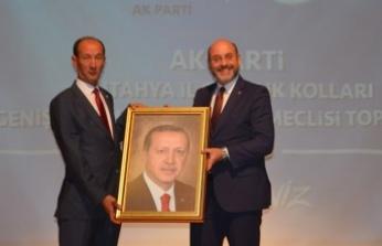 CHP'den istifa edip AK Parti'ye katıldı