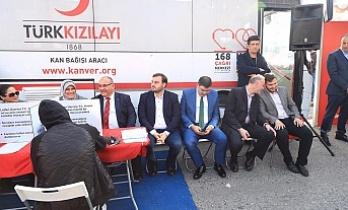 AK Parti Ümraniye İlçe Başkanlığı Kızılay Haftasını Unutmadı