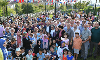 Üsküdar Belediye Başkanı Hilmi Türkmen Halkla İç İçe