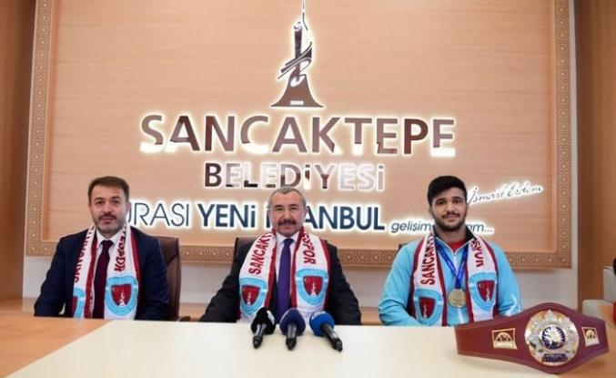 Başkan İsmail Erdem, Dünya Şampiyonu Arif Özen'i Makamında Kabul Etti