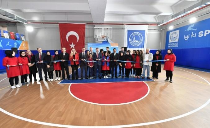 Üsküdar 15 Temmuz Gaziler Kız Anadolu İmam Hatip Lisesi Spor Salonu Ve Otoparkına Kavuştu