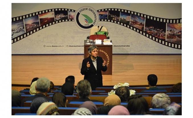 Üsküdar Üniversitesi Tasavvuf Araştırmaları Enstitüsü Tarafından Mevlana ve Düşünceleri Anlatıldı