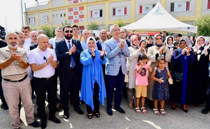 """""""Altın Eller Çarşısı"""" Sancaktepe'de Açıldı"""