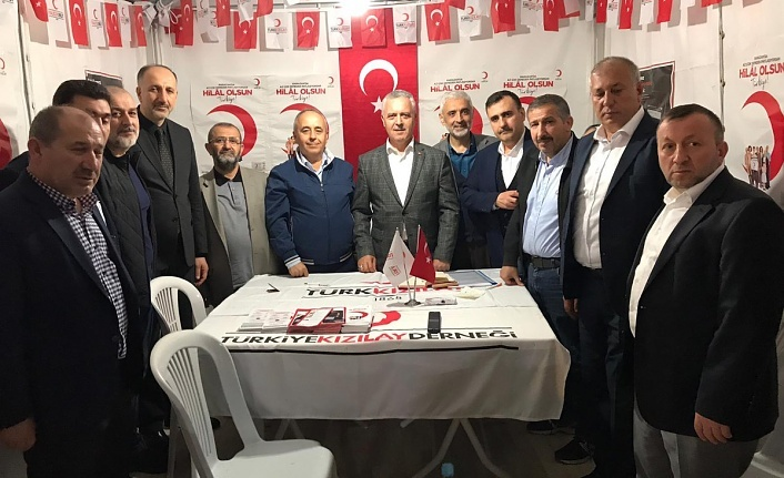 İstanbul Milletvekili Mustafa Ataş'tan Ümraniye  Kızılay Standına Ziyaret